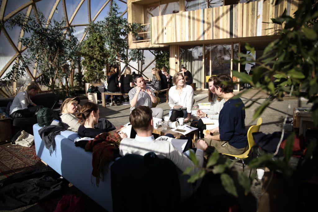 Vinterakademiets deltagere arbejder på tværs af fagligheder! Foto: Stefan Frank thor Straten