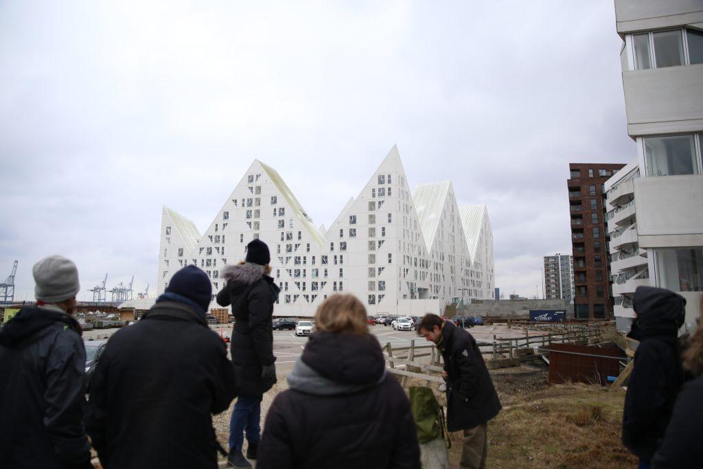 Vinterakademiets deltagere besøger Aarhus Ø. Foto: Stefan Frank thor Straten